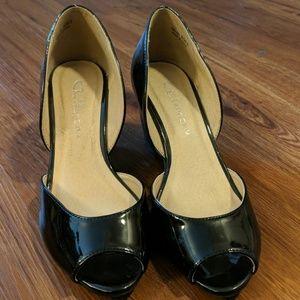 Chinese Laundry black patent peep toe wedges